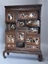 19thc highly decorative large Japanese Meiji period shodana cabinet - picture 3