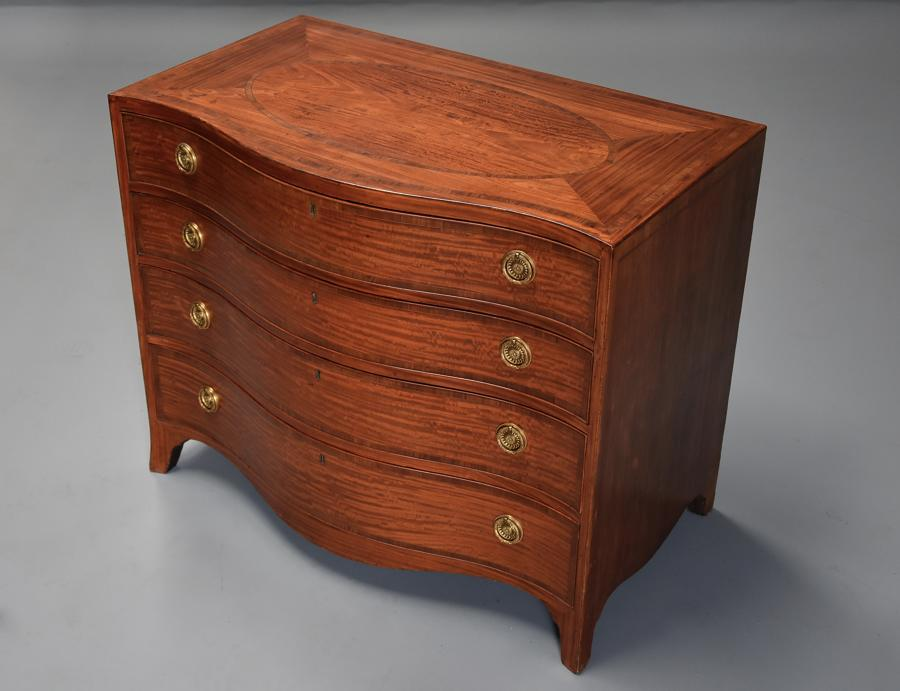Superb quality serpentine shape satinwood gentleman's dressing chest