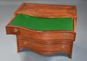 Superb quality serpentine shape satinwood gentleman's dressing chest - picture 6