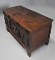Rare mid-late 17th century oak moulded front coffer with fine patina - picture 2
