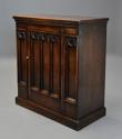Late 19th century Gothic style oak cupboard - picture 3
