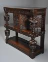 Superb oak livery cupboard of good proportions & wonderful patina - picture 5
