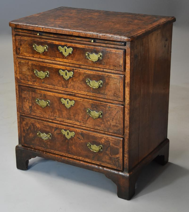 Extremely rare 18thc walnut chest of drawers in untouched condition