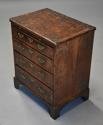 Extremely rare 18thc walnut chest of drawers in untouched condition - picture 2