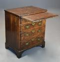 Extremely rare 18thc walnut chest of drawers in untouched condition - picture 8