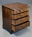 Extremely rare 18thc walnut chest of drawers in untouched condition - picture 9
