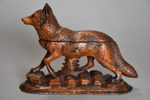 Finely carved late 19thc linden wood Black Forest fox casket