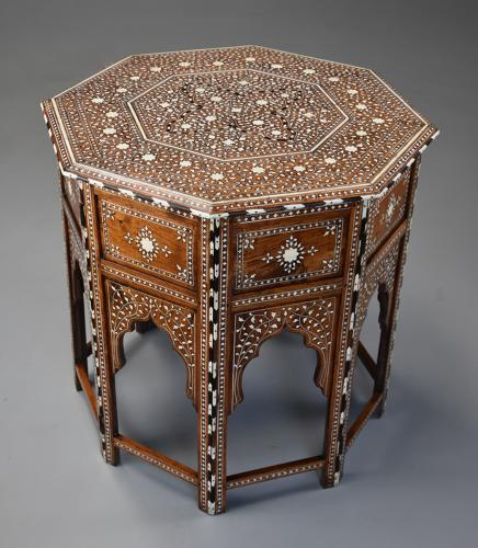 Superb quality 19thc Anglo Indian inlaid hardwood octagonal table
