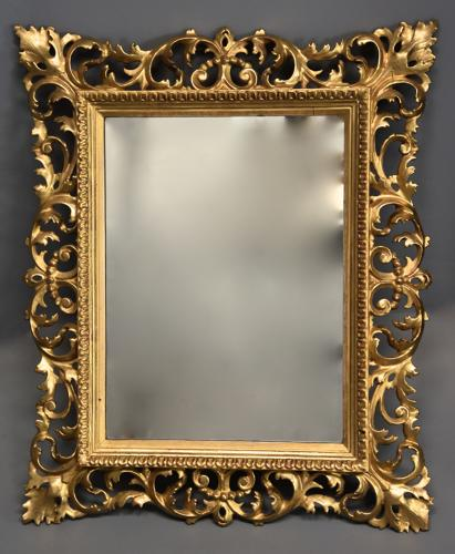 Late 19th century fine quality Florentine carved gilt wood mirror