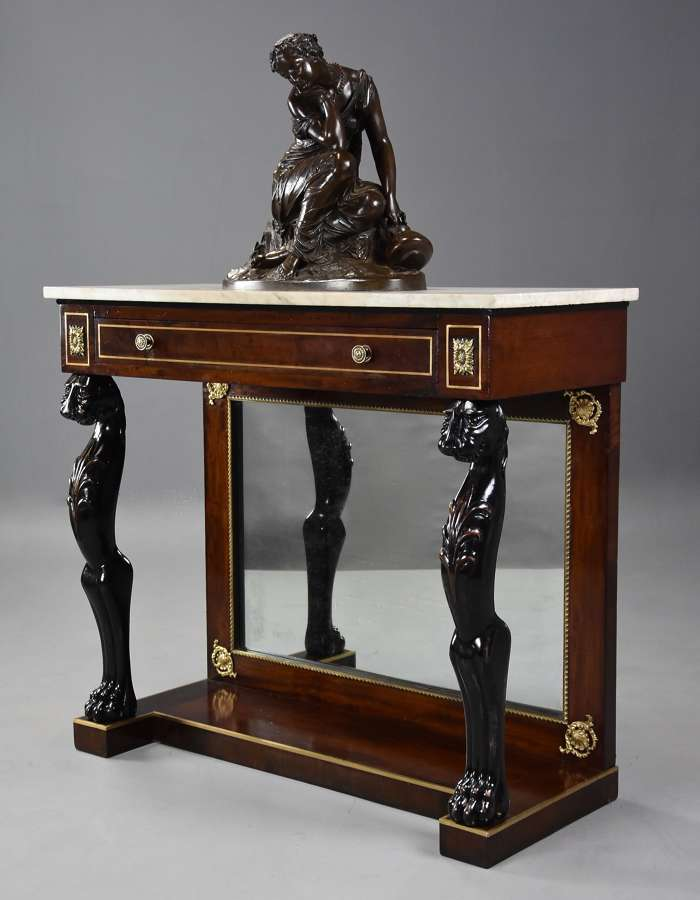 19th century Regency mahogany console table of small proportions
