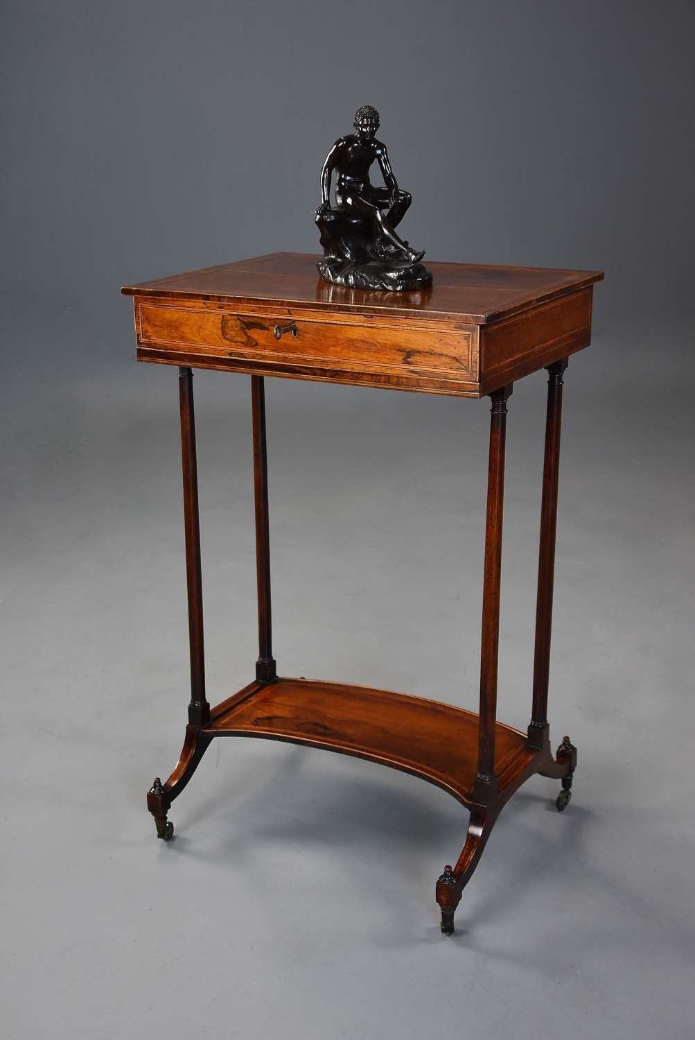 Elegant late 18th century Sheraton period rosewood occasional table